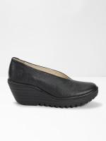 Fly Yaz Shoe