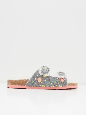 Star Embroidered Footbed