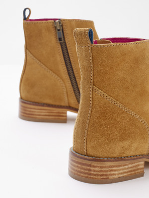 Amber Flat Western Ankle Boots
