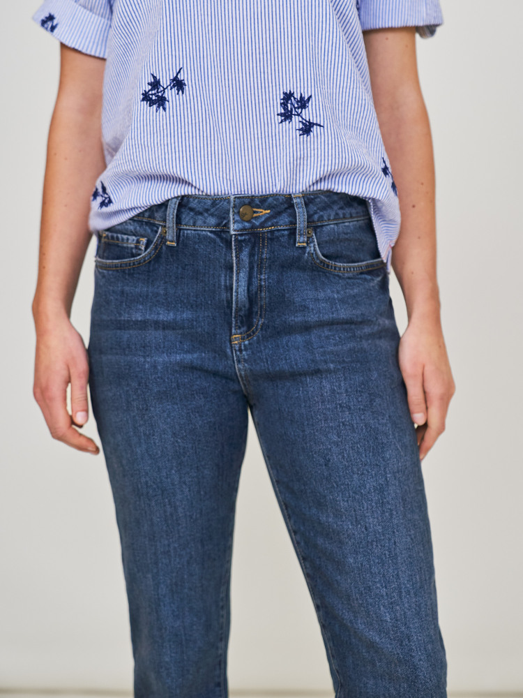 Relaxed Slim Jeans