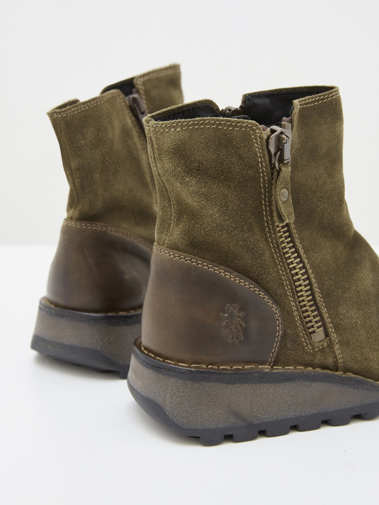 Fly Mon Boots
