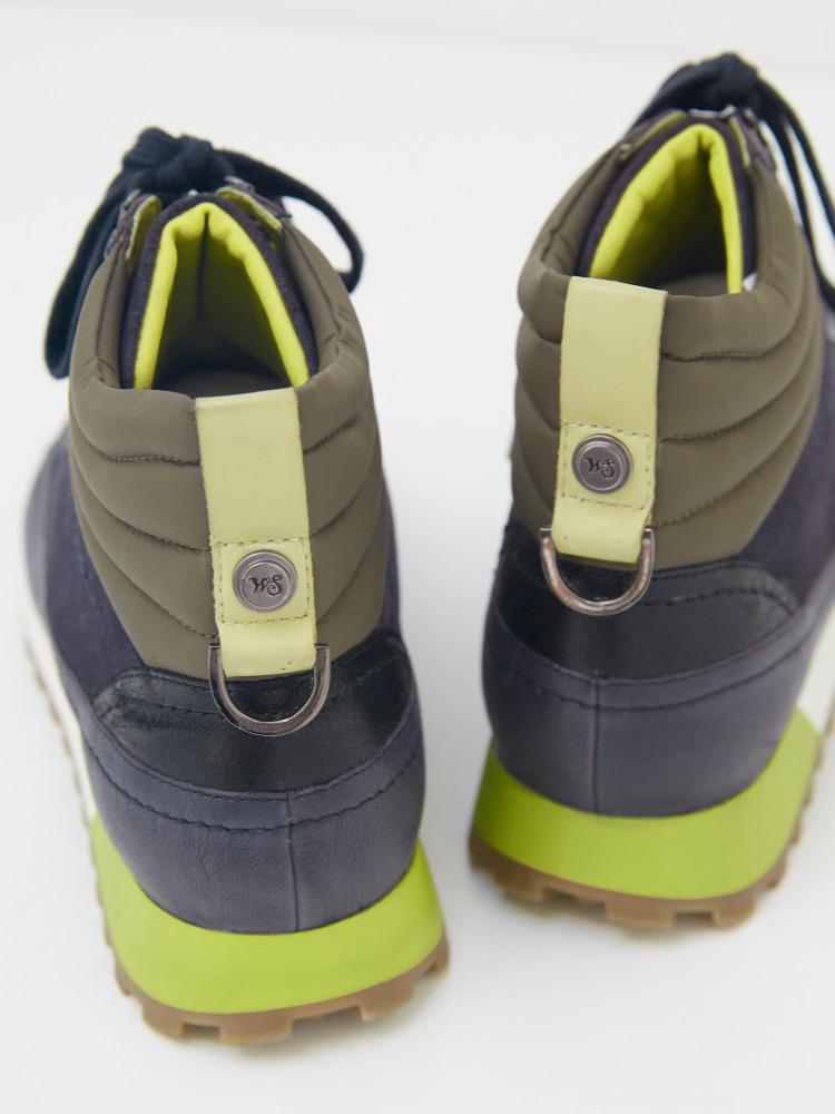 Sloane Hightop Lace Up Sneaker