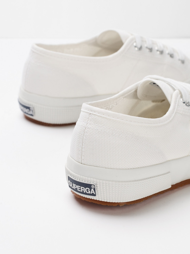 f5f077954da0 Superga 2750 Cotu Trainers (White Plain)
