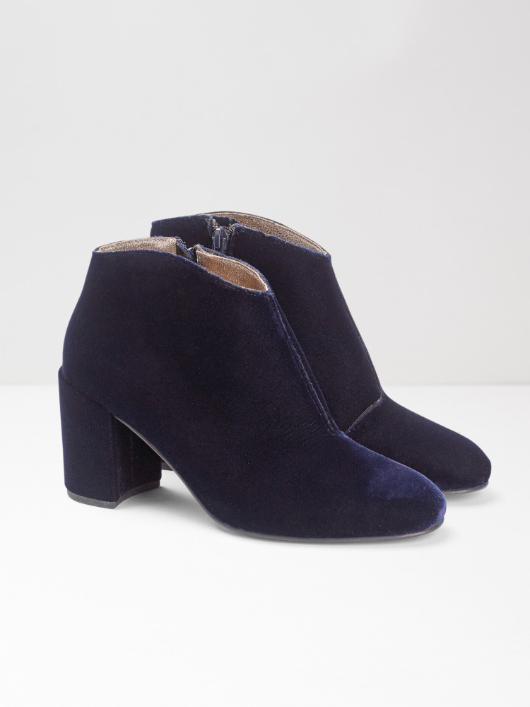 f32b8974e2f2 Viola Velvet Shoe Boot (Navy) | White Stuff