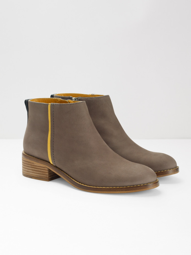 Flat Contrast Ankle Boot