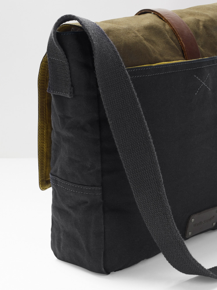 Arrow Block Canvas Messenger