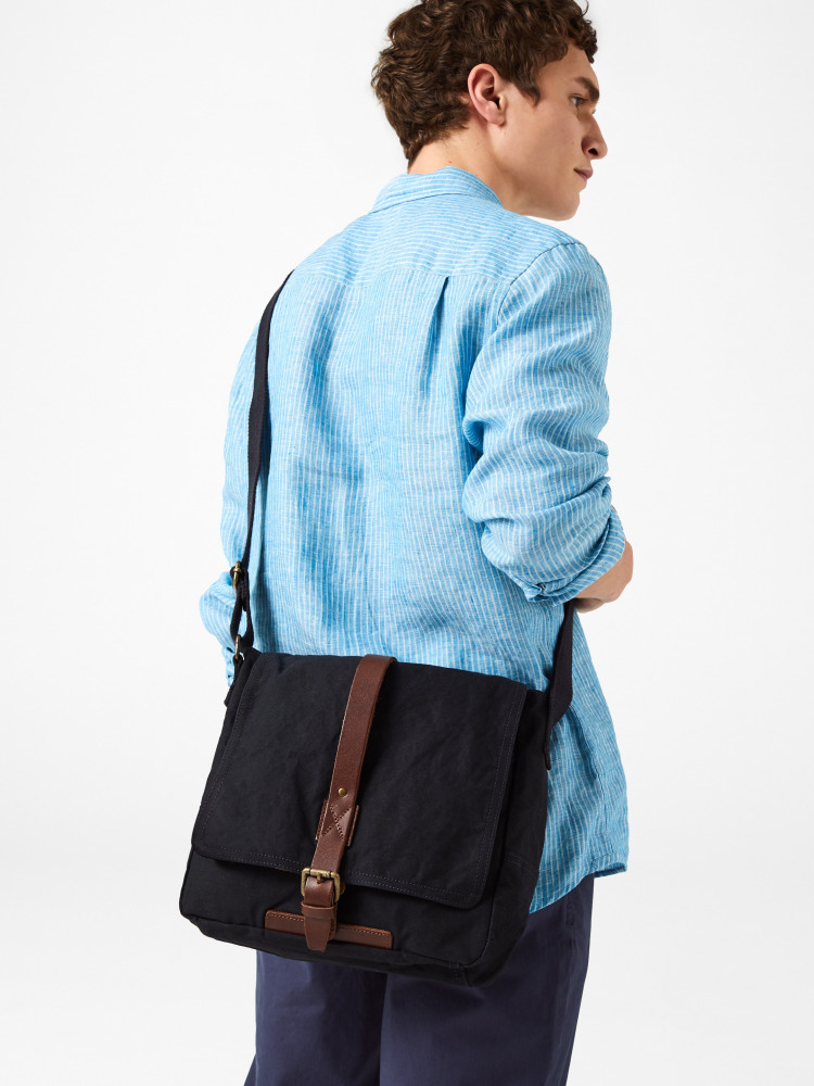 Arrow Canvas Messenger