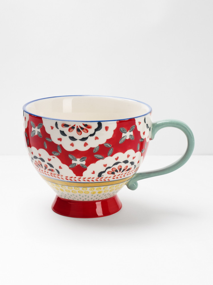 Red Doily Decorative Mug
