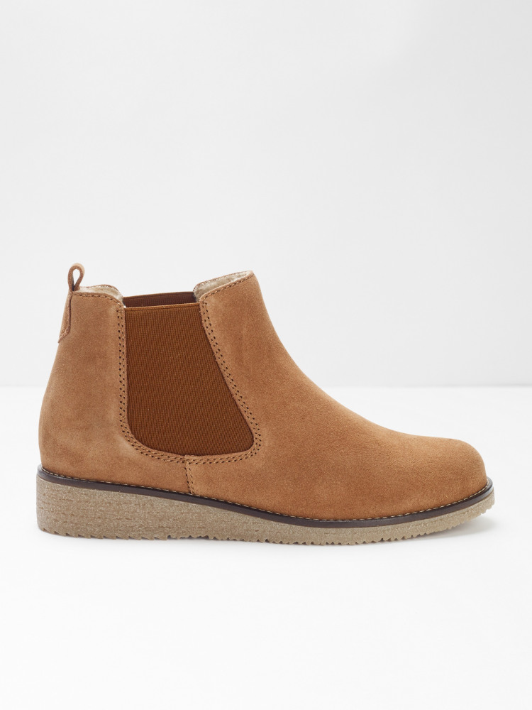 Eve Chelsea Boots