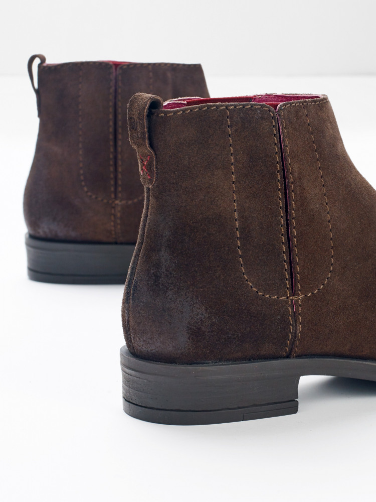 Chrissy Chelsea Boots