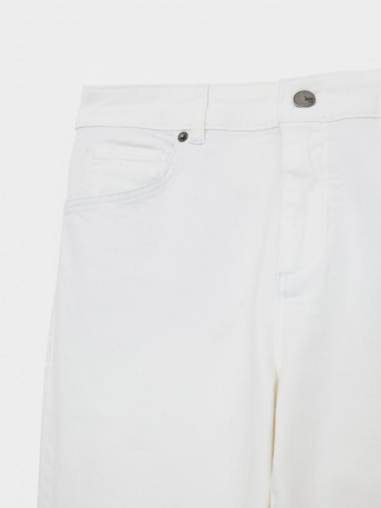 Straight Crop Jean